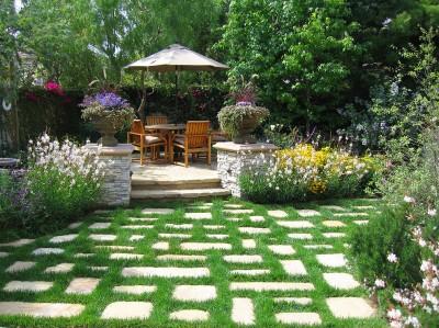Мебель из тика в саду